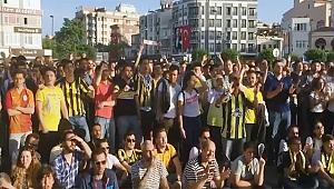 Çanakkale'de dev ekranda 'EuroLeague' coşkusu