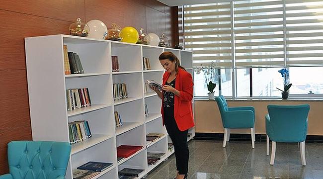 Çanakkale Devlet Hastanesi'nde kütüphane açıldı