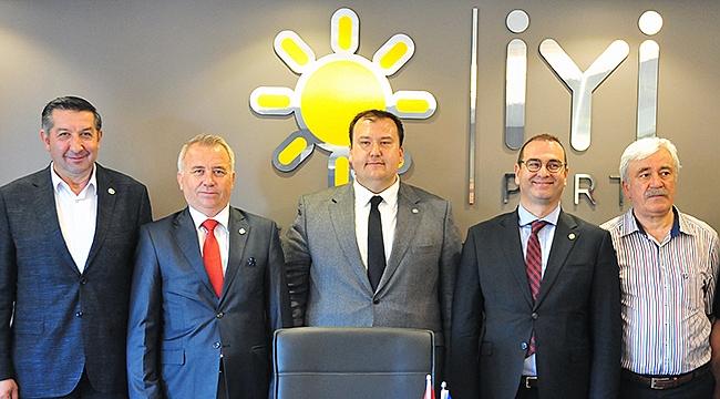 İYİ Parti Çanakkale milletvekili adaylarını tanıttı