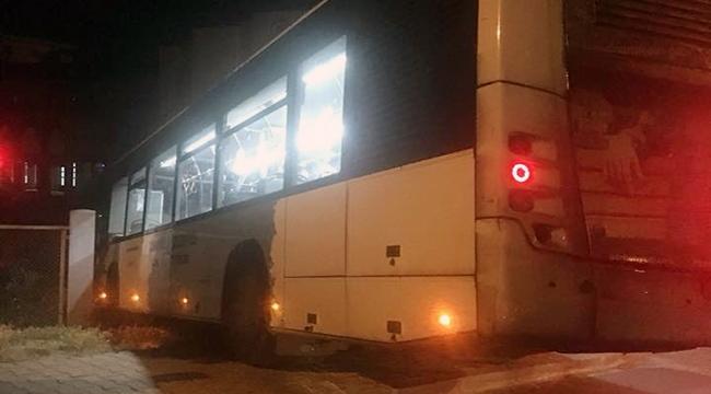 Çanakkale'de freni boşalan otobüs duvara çarptı!