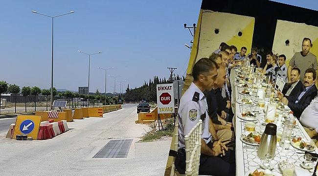 Vali Tavlı, şehir girişindeki uygulama noktasında polislerle sahur yaptı