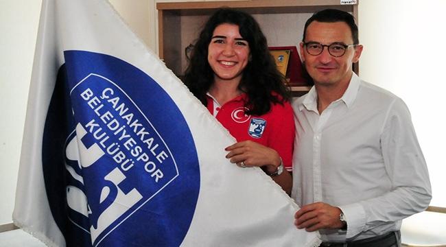 Çanakkale Belediyespor'da Nesic ve Melis imzaladı