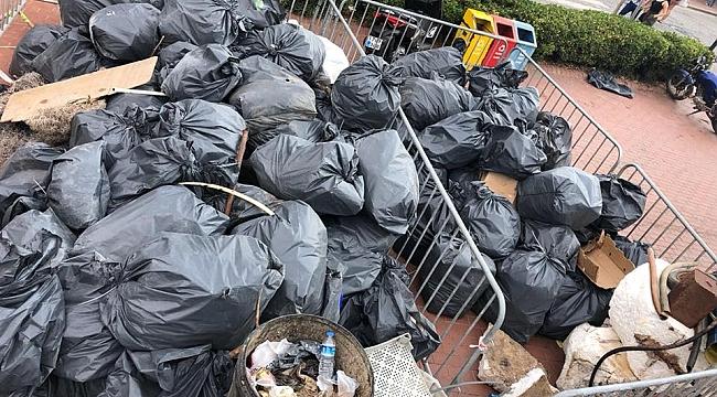 Bozcaada'da tatilcilerden kalanlar!!! İlk günde 6 traktör çöp toplandı