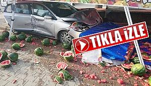 Çanakkale'de otomobilin karpuz tezgahına daldığı anlar kamerada!