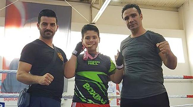 Osman, Çanakkale'ye Türkiye Şampiyonu olarak döndü