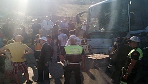 Çanakkale'de 2 otobüs çarpıştı 6 yaralı! Faciayı şoförün manevrası önledi