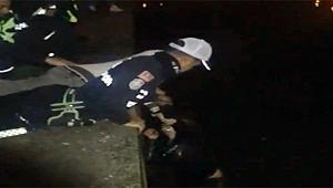 Sarıçay'a düşen kadını trafik polisi kurtardı!