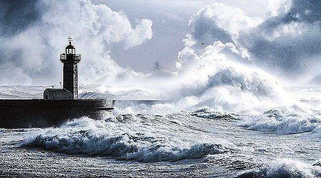 Çanakkale'de etkili rüzgar!