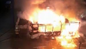 Çanakkale'de halk otobüsü alev alev yandı!