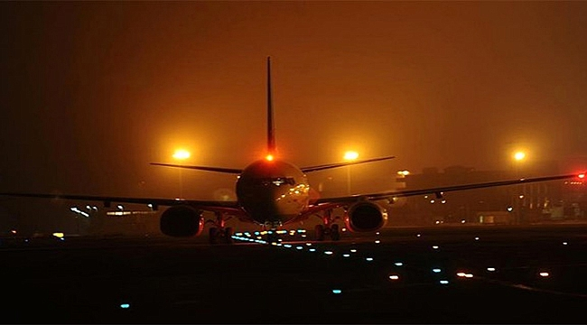 Uçak Çanakkale'ye inemedi!