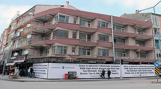 Çanakkale'deki o bina riskli bulundu, yıkılacak!