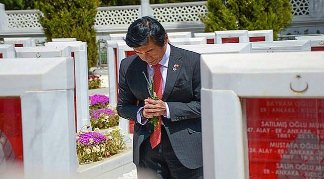 Japon Büyükelçi'den Çanakkale Şehitlerine büyük saygı