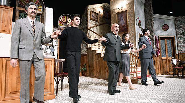 Şener Şen'in Zengin Mutfağı oyununa Çanakkale'de büyük ilgi