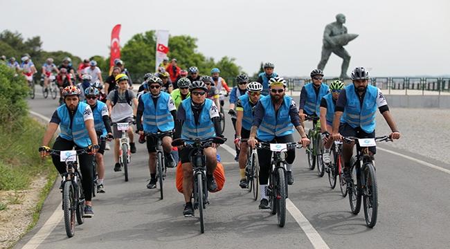 Bisiklet severler, Troya'dan Gelibolu'ya  tarihin izinde sürdü