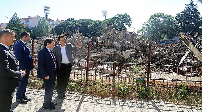 Tesis yıkıldı, Gazi Ortaokulunda bahçesi genişliyor
