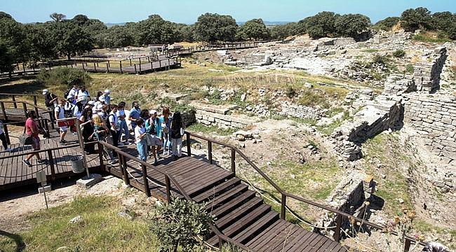 Arkeoloji Yaz Okulu Çanakkale'den Başladı