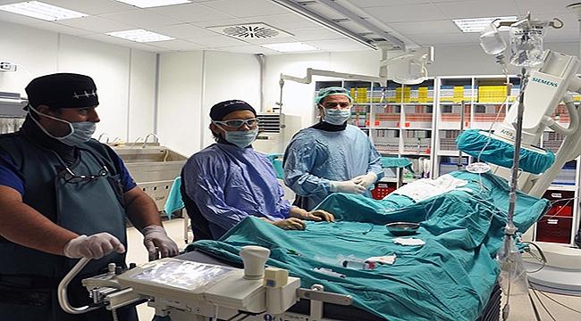 Böbrek damarına takılan stent ile sağlığına kavuştu