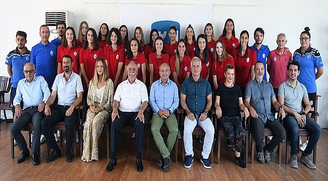 Çanakkale Belediyespor'da 18 imza
