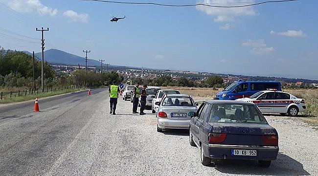 Helikopterli trafik denetimleri sürüyor