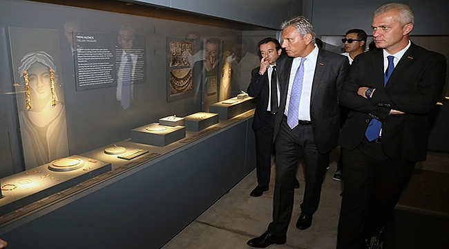 TÜRSAB Başkanı Bağlıkaya Troya Müzesini Gezdi