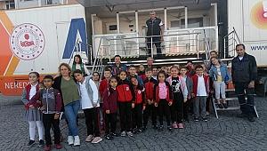 Arıburun İlkokulu Öğrencileri Deprem Simülasyon TIR'ında