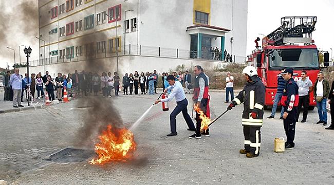 Biga Devlet Hastanesi'nde Yangın Tatbikatı