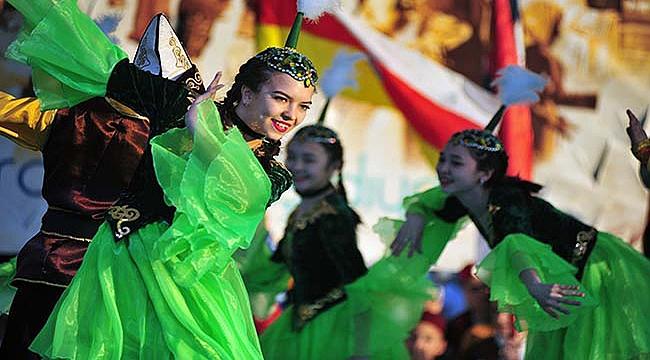 Dünyanın renkleri Çanakkale'de ışıldayacak