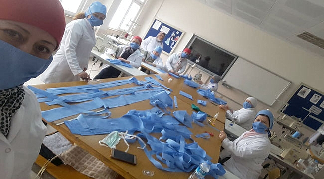 Çanakkale Halk Eğitimi Merkezinde maske üretimine başlandı