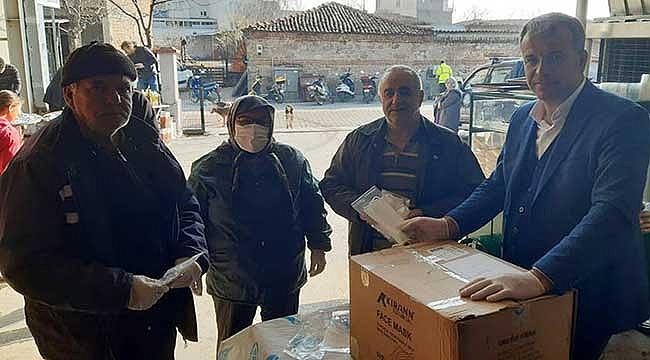 Karabiga belediyesi vatandaşa maske dağıttı!
