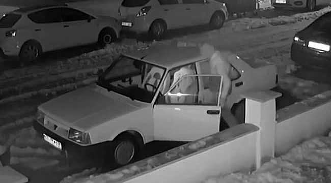 Çaldığı otomobile sahte plaka takmaya çalışırken yakalandı!
