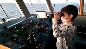 Minik Mehmet kaptan oldu, MR çekilmeyi kabul etti
