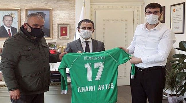 Vali Aktaş'a Dümrek Spor forması