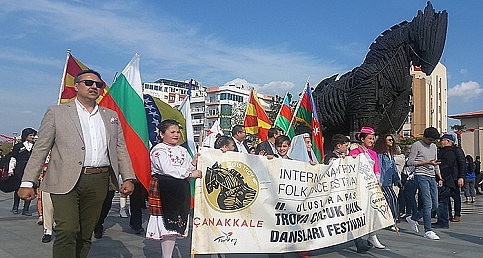 Çanakkale'de rengarenk festival